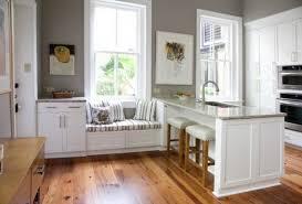 cuisine blanche sol noir cuisine blanche et bois le mariage parfait pour une ambiance