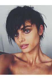 how to stye short off the face styles for haircuts taylor hill shows off a dramatic pixie crop short hairstyle