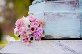 wedding flowers questions to ask wedding flowers wedding florists weddingwire