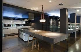 grande cuisine moderne 45 cuisines modernes et contemporaines avec accessoires
