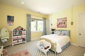 yellow bedroom yellow bedroom decorating ideas openasia club