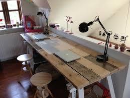 fabriquer un bureau enfant fabriquer bureau enfant avec en palette mod les diy et tutoriel pour