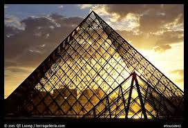 louvre museum at sunset wallpapers picture photo sunset and clouds seen through pyramid the louvre