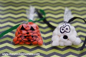 get your crap together easy diy halloween treat bags from the