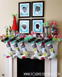 18 christmas mantel decorating ideas home decor tip junkie
