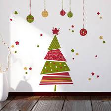 samolepicí dekorace trendy vánočního stromečku skvěle oživí