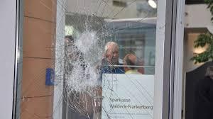34537 Bad Wildungen Randalierer Verwüstet Sparkasse 100 000 Euro Schaden In Bad