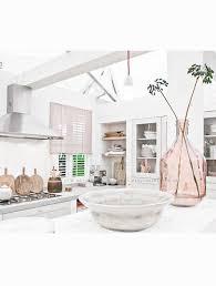 decorer cuisine toute blanche cuisine toute blanche beautiful les travaux de la cuisine code