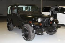 jeep black 2 door 1990 jeep wrangler base sport utility 2 door 4 2l black hardtop