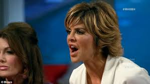 lisa rinnas hairdresser lisa rinna debuts new do after brandi glanville attacks her old one