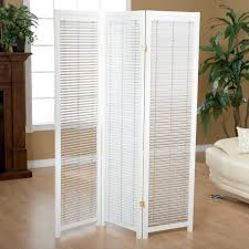 the room divider screens and the oriental appearance