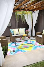 decoration terrasse exterieure moderne tapis d u0027extérieur en 50 idées originales de motifs et couleurs