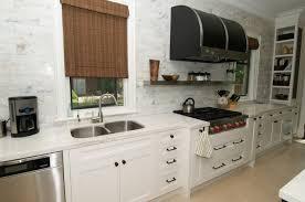 peinture pour cr馘ence cuisine cuisine peinture pour credence cuisine avec jaune couleur peinture