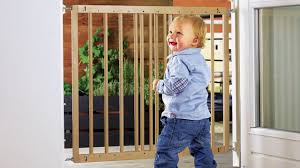 Munchkin Pet Gate Pressure Fit Safety Gate Installation Guide Youtube