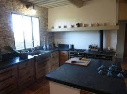 cuisiniste nimes cuisiniste nimes gard cuisine en chêne plan travail granit