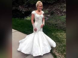 paper wedding dress toilet paper wedding dresses stun in annual contest abc
