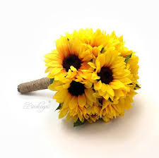 bouquet of sunflowers the 25 best sunflower bridesmaid bouquet ideas on