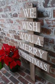 Brick Mailbox Christmas Decor by Best 25 Outdoor Christmas Decorations Ideas On Pinterest