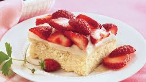 strawberry shortcake coffee cake recipe bettycrocker com