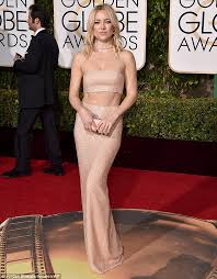 kate hudson stuns at the golden globes 2016 in a michael kors gown