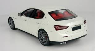 white maserati top marques collectibles maserati ghibli 1 18 white top08c