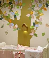 kinderzimmer baum fantasyroom tapetentiere tapetenbäume im babyzimmer