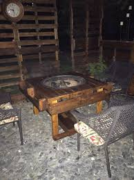 Pallet Fire Pit by Diy Pallet Fire Pit Table For The Home Pinterest Pallet Fire