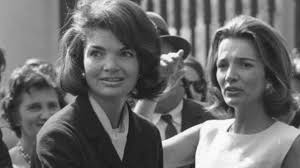 jacqueline kennedy the untold story behind jackie kennedy and sister lee radziwill