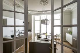 renovation appartement haussmannien un appartement haussmannien et contemporain à paris