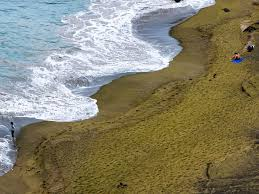 Black Sand Beaches by Where To Find Pink Sand Beaches And Black And Green Photos