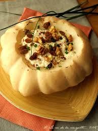 cuisiner un patisson pâtisson farci au chèvre noix et raisins secs de recettes