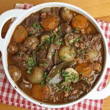 cuisiner boeuf bourguignon boeuf bourguignon classique coup de pouce