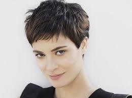 coupes cheveux courts femme et si vous passiez au court 50 idées de coupes à oser femme