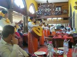 El Patio Resturant Female Mariachi U0027s At El Patio Tlaquepaque Jalisco Mexico Youtube
