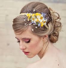 fleurs cheveux mariage fleur dans les cheveux pour mariage sublimez vos poils et cheveux