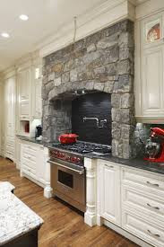 Range In Island Kitchen by Best 25 Traditional White Kitchens Ideas Only On Pinterest