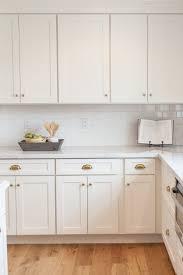 Decorative Kitchen Cabinet Hardware by Decorative White Shaker Kitchen Cabinets Hardware Alluring Cabinet