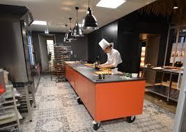 une cuisine de chef pâtissier pour l atelier de yann à colmar kök