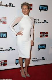 who dors yolanda fosters clothing yolanda foster attends real housewives of beverly hills premiere