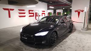 tesla inside engine living with a tesla model s gizmodo australia