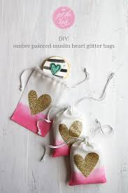 muslin favor bags diy add an ombre effect to muslin favor bags the details