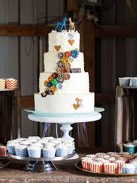 wedding cake display 16 wedding cake ideas with cupcakes