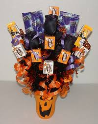 How To Make A Candy Bouquet Halloween Decorations Halloween Candy Bouquet 5 Steps
