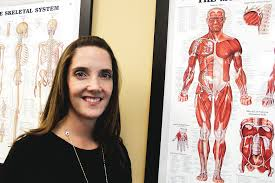how to write a paper whitesides life arvada colorado arvadapress com samantha hovel clinic director at rocky mountain spine and sport in littleton poses next