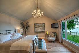 floor master bedroom skaneateles lake vacation rental fingerlakes ny accommodations
