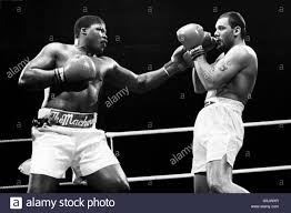 solar plexus punch boxing boxing bout black and white stock photos u0026 images page 2 alamy