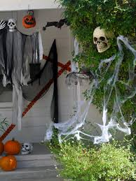 Creepy Halloween Decorating Ideas The Easiest Scariest Halloween Decorations Catch My Party