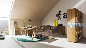 jugendzimmer dachschräge ideen jugendzimmer junge dachschräge holzmöbel attic solutions
