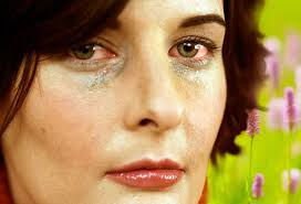eyes sensitive to light treatment eye allergies symptoms triggers treatments with pictures