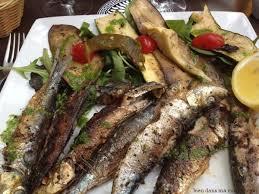 cuisiner des sardines fraiches sardines fraîches et légumes légèrement grillés le plat minceur